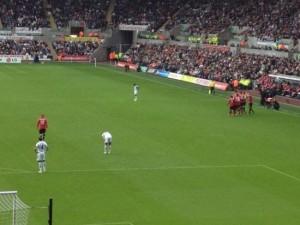 Rooney不肯跟队友庆祝进球